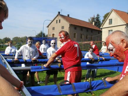 atrakce-lidský stolní fotbal